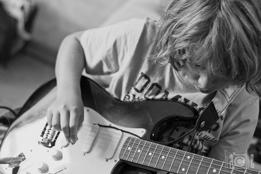 tpocando la guitarra bn ant