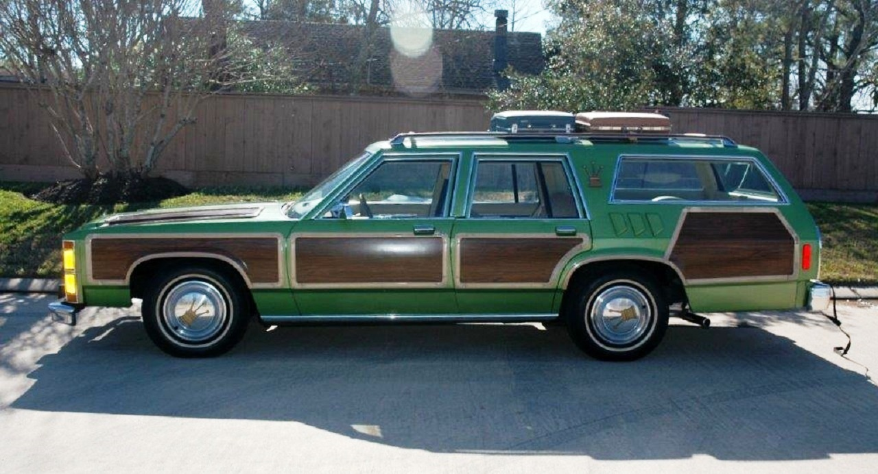 Wagon queen family truckster free coloring pages for Station wagon coloring pages