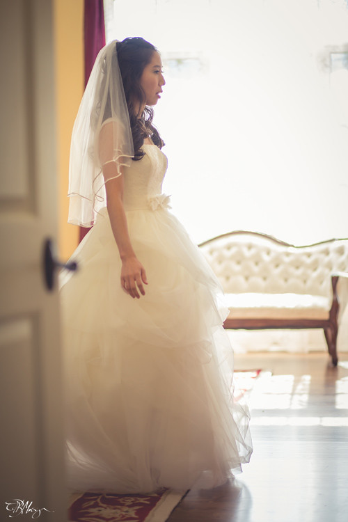 Bride-Mirror-Last-Look