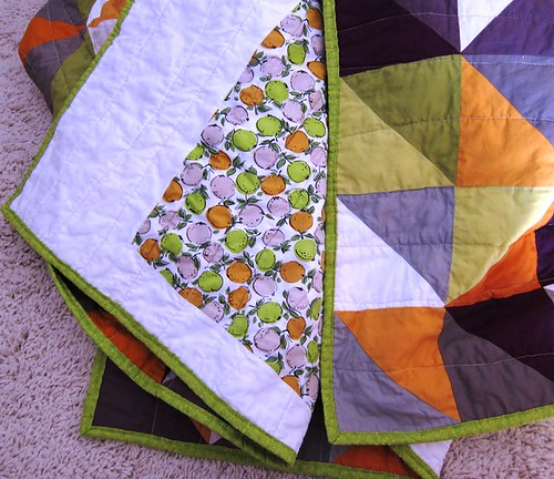 half square triangle quilt, closeup