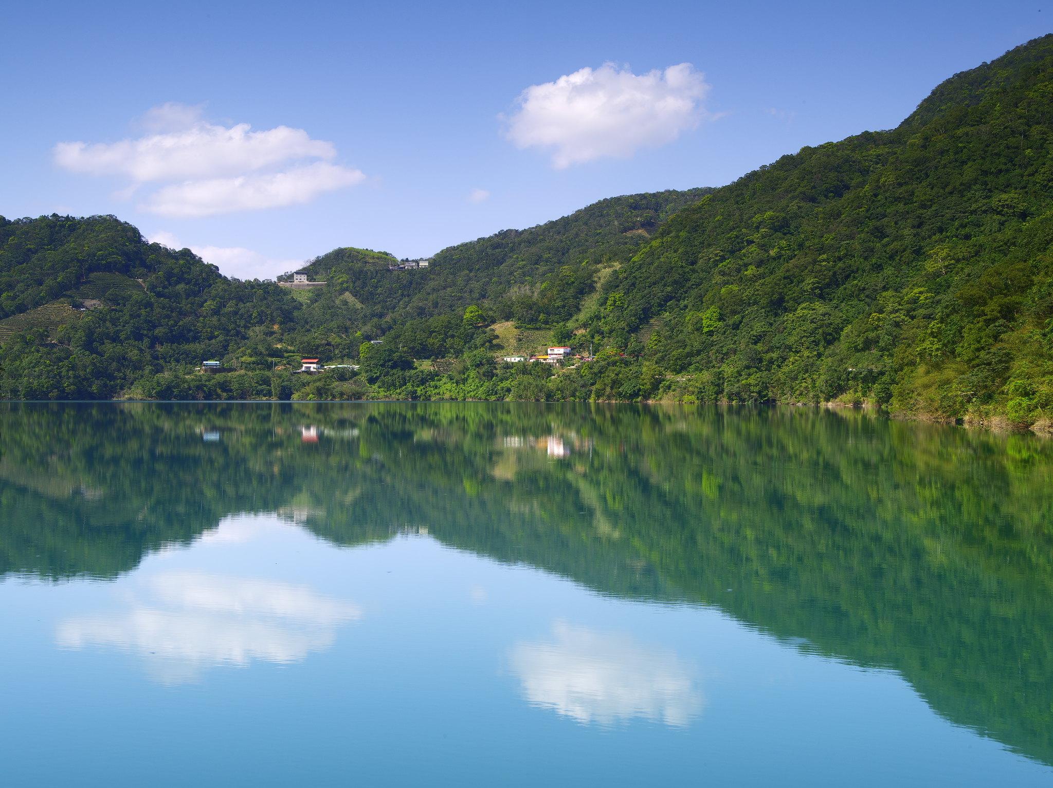 二格雲瀑,潭腰雲海,千島湖   by Pentax 645D