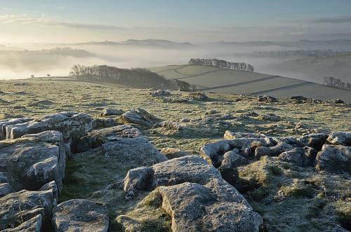 fog day peakdistrict limestone nationaltrust whitepeak peakdistrictnationalpark wolfscotehill walkinginderbyshire