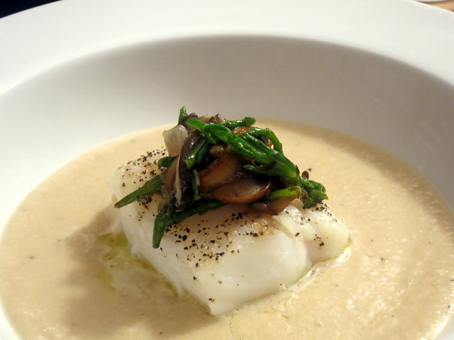 Wild cod, with Jerusalem artichoke veloute, samphire, oyster mushrooms and cremini mushrooms