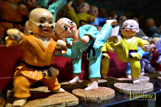 Singapore Chinatown: Shaolin Figurines