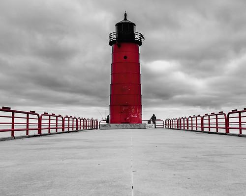 lakemichigan lighthouse milwaukee sunrise waterfront