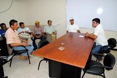 Alcalde dialoga con dirigentes de San Juan del Búa