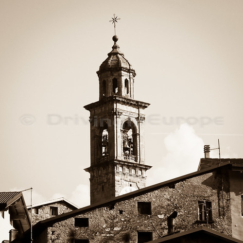 通り過ぎた教会の尖塔
