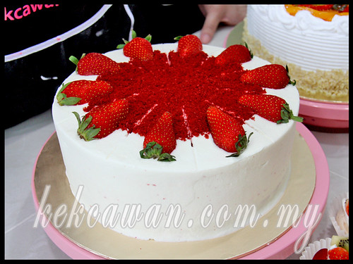 Personal Class Bake & Deco:  Red Velvet Cake. Mini Pavlova & Fruitilicious Cake ~ 9 May 2013