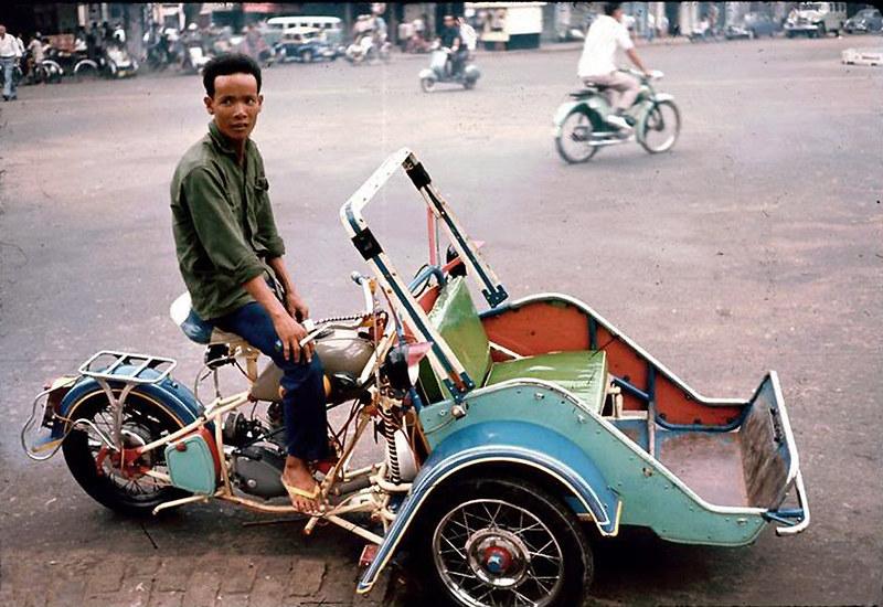 11) Saigon motocyclo
