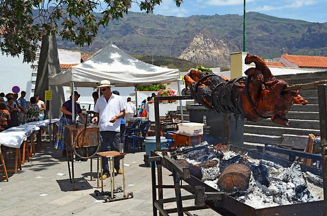 Roasting a Pig, Tunte, San Bartolome de Tijarana, Gran Canaria