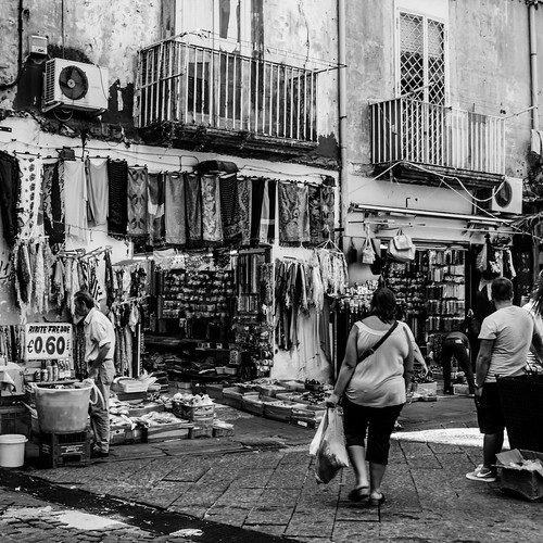 Naples markets #6 by Davide Restivo