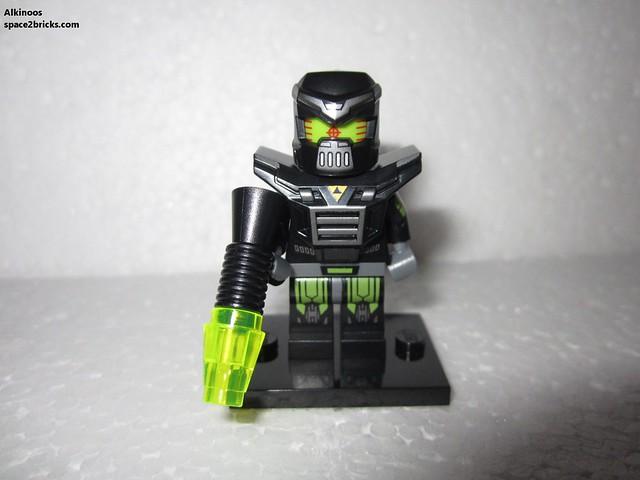Minfig série 11 robot Blacktron p1