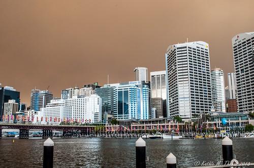 Smoke brown skies over Sydney