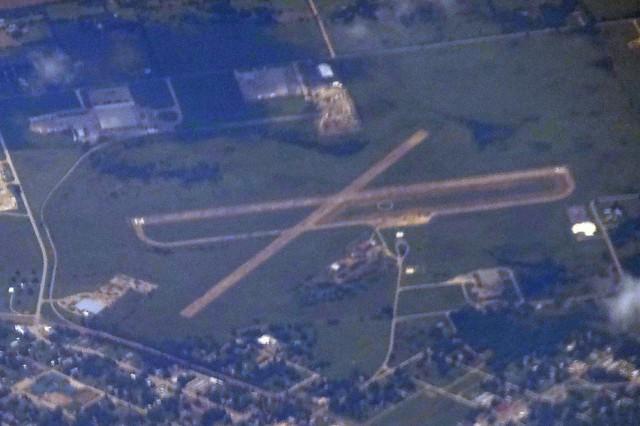 F99 HOLDENVILLE MUNICIPAL AIRPORT FLIGHT CDG-IAH 777 F-GSQM