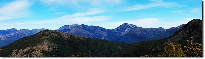 喀西帕南山頂西眺玉山,秀、馬連稜