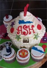 Giant Cupcake for twins_Boys side