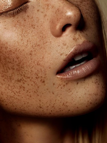 FLAW - a beauty editorial for Schön Magazine