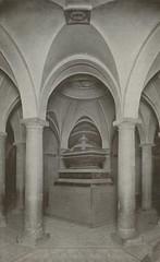 temple(0.0), symmetry(1.0), arch(1.0), building(1.0), architecture(1.0), vault(1.0), arcade(1.0), crypt(1.0), column(1.0),