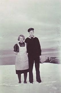 Anny Magdalena Nilsen og hennes sønn Georg (ca. 1946)