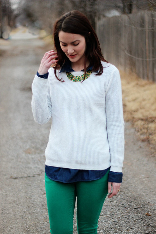 green-jeans-white-sweater4