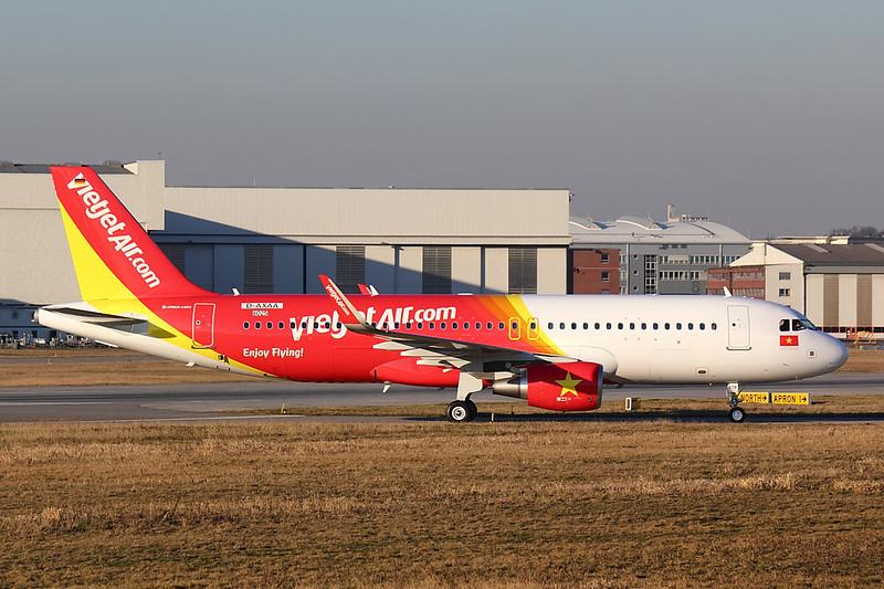 Vietjet - A320 - D-AXAA (2)