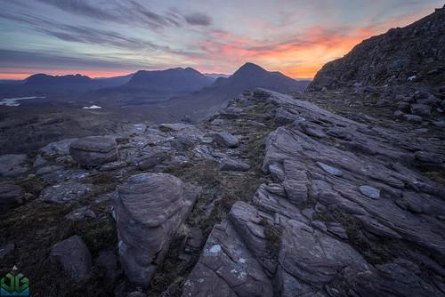uploadedviaflickrqcom sgorrtuath sunrise dawn scotland assynt coigach skyfire highlands culmor redlight stacpolliadh stacpolly suilven ullapool wildcamping unitedkingdom gb