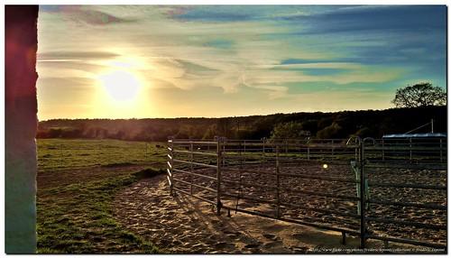 Rond de longe, sous rond soleil couchant à Montbliart