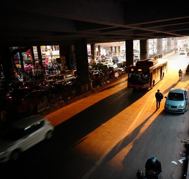 #tbt when I first went to laxmi nagar ��  Loved the sun rays, it was evening arnd 5pm..  #oft2d #oft2dgang #newdelhi #laxminagar #metrostation #mobilephotography #sonakshisharma #tb #throwback