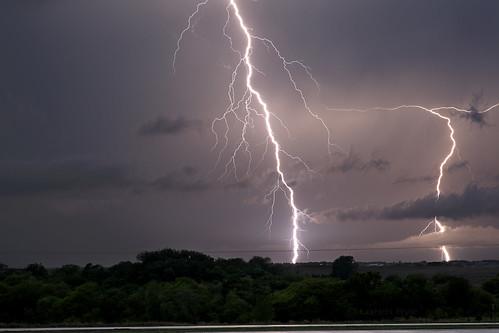 longexposure storm night evening bolts thunderstorm lightning extremeweather stormscapes nebraskathunderstorms therebeastormabrewin cloudsstormssunsetssunrises