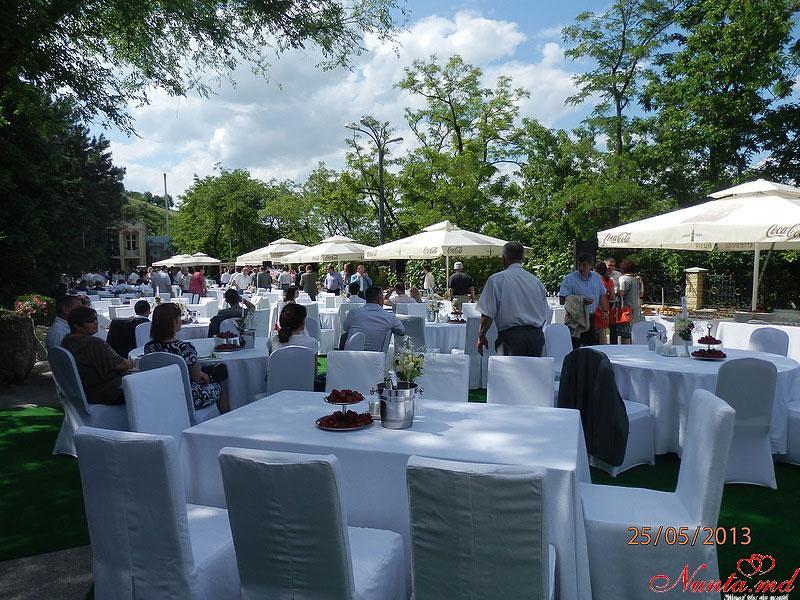 Ресторан «Oraşul Subteran» > Ресторан Oraşul Subteran принял участие в презентации нового шампанского.