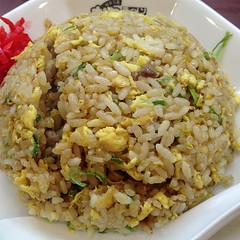 steamed rice, thai fried rice, food grain, yeung chow fried rice, rice, nasi goreng, arroz con pollo, mujaddara, food, pilaf, dish, fried rice, cuisine,