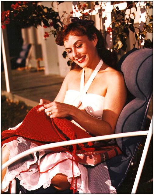 paulette Goddard-crocheting