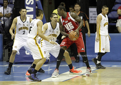 UAAP Season 76: UE Red Warriors vs. UST Growling Tigers, Aug. 15