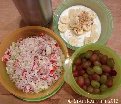 StattKantine 25.10.2013 - Reissalat, Bananenjoghurt, Trauben