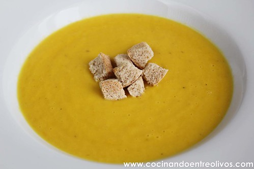 Crema de pimientos amarillos www.cocinandoentreolivos (19)