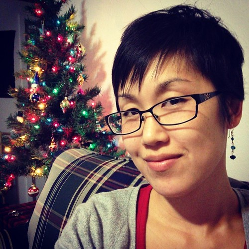 Eek new hair cut!!! And yes, the tree is up already! :)