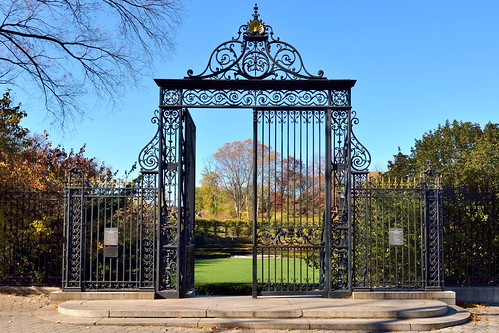 The Vanderbuilt Gate