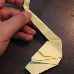 วิธีการพับกระดาษเป็นรูปหงส์ 020