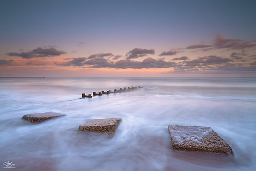 uk sunset beach north pipe northumberland blocks northern blyth antitank steveclasper