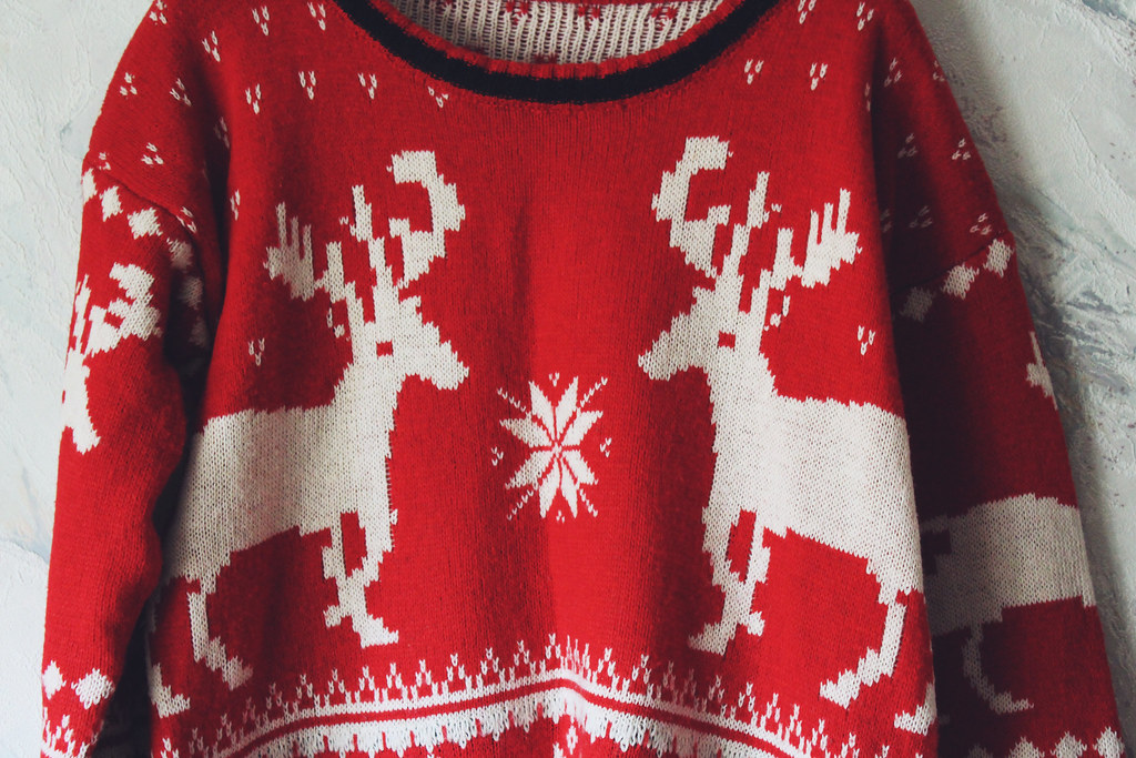 christmas long sleev sweater with deers and snowflakes review bought on Ebay