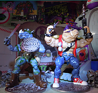 TEENAGE MUTANT NINJA TURTLES - CLASSIC COLLECTION :: ROCKSTEADY & BEBOP { tOkKustom Punk touch-ups } i (( 2013 ))