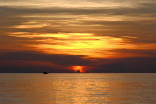 sunset sea sun thailand island ship lonely sundawn