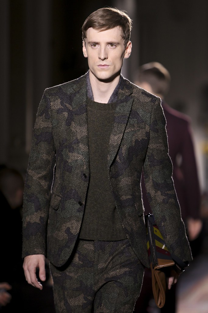 FW14 Paris Valentino127_George Barnett(VOGUE)