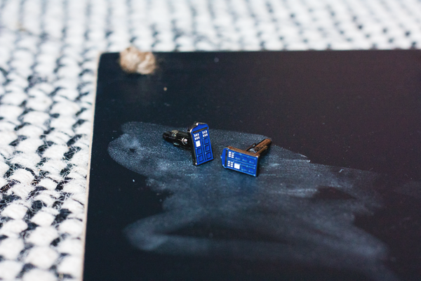 tardis-cuff-links