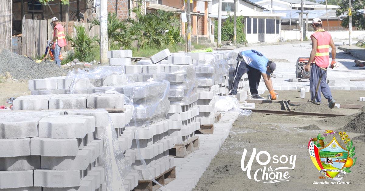 Adoquinado de calles mejorará circulación vehicular en Chone