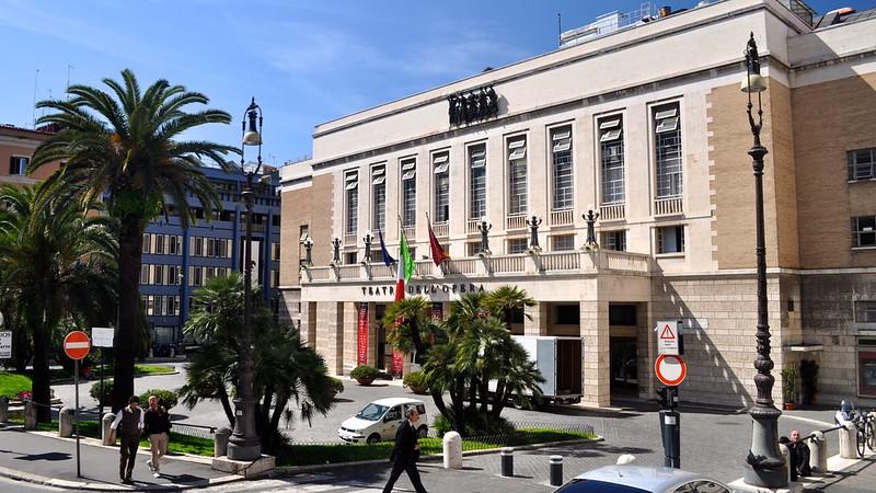 Il Comune di Roma licenzia orchestra e coro dell'Opera