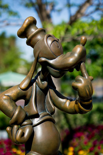 Goofy Bronze