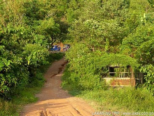 Unpaved road to Maremegmeg Beach, El Nido, Palawan, Philippines