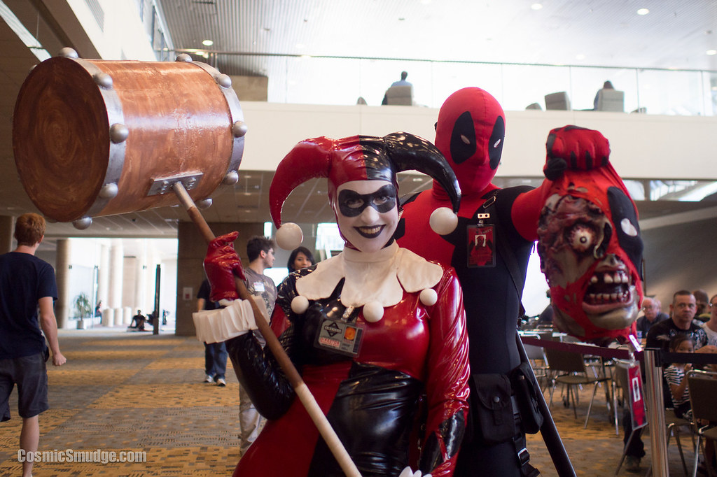 Harley Quinn and Deadpool at Baltimore Comic Con 2013