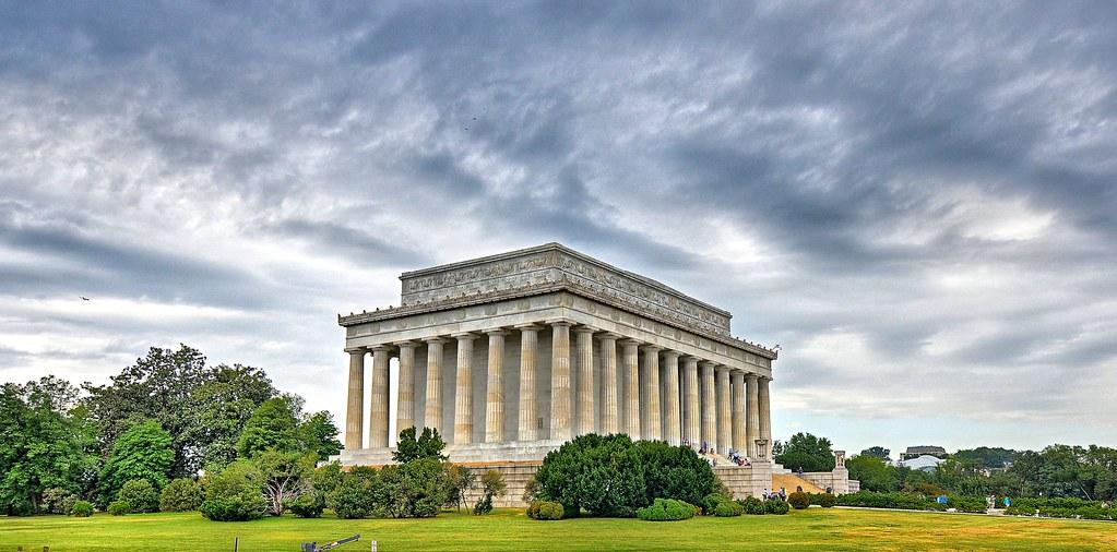 10 Lincoln Memorial